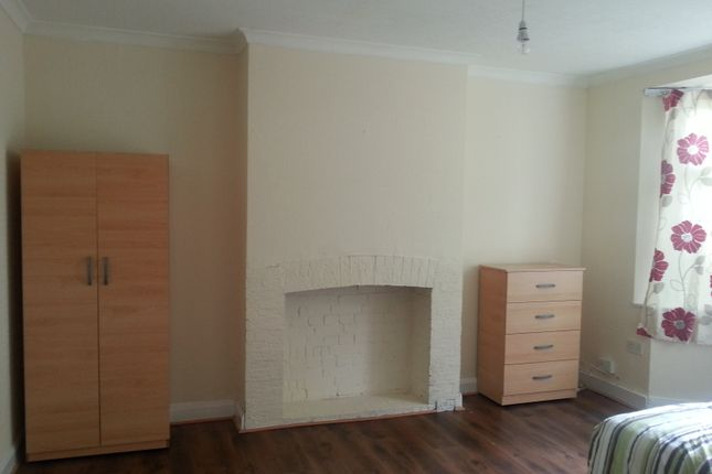 Thumbnail Room to rent in Princes Avenue, Acton