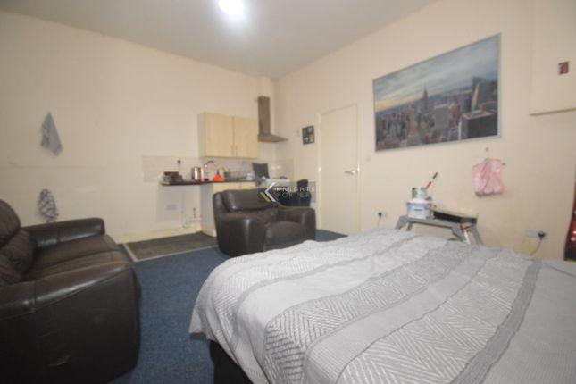 Studio to rent in Denzil Avenue, Southampton SO14