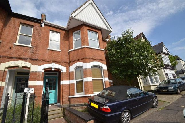 Thumbnail Flat to rent in Elm Road, Leigh On Sea, Essex