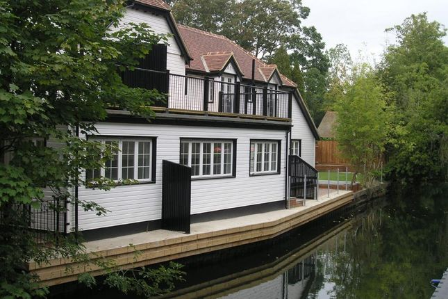 Thumbnail Property to rent in Boulters Cottage, Boulters Lock Island, Maidenhead