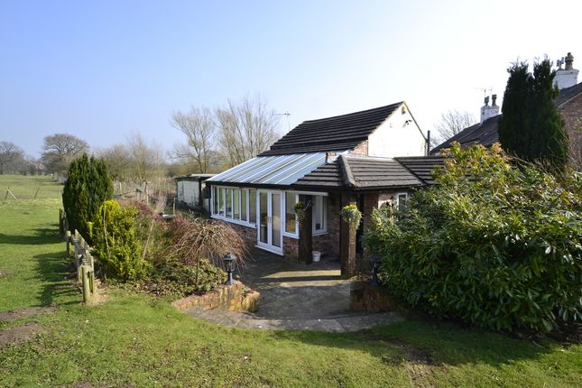 4 bed semi-detached house to rent in Carr Lane, Alderley Edge SK9