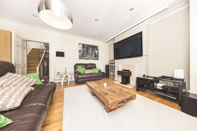 Thumbnail Flat to rent in Clonmore Street, London