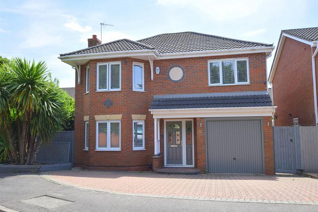 Main Front of Kingfisher Close, Mickleover, Derby DE3