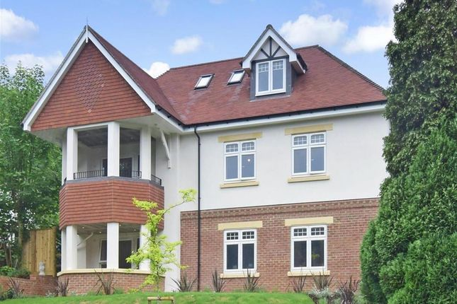 Thumbnail Flat for sale in Woodcote Valley Road, Purley, Surrey