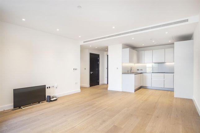 Thumbnail Flat for sale in Altissima House, Vista Chelsea Bridge, London