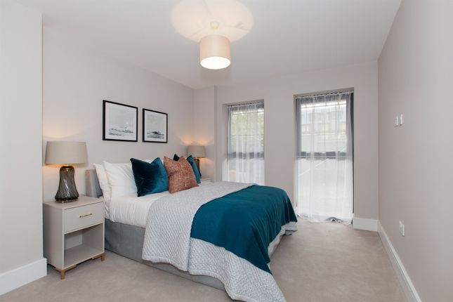 Thumbnail Flat for sale in The Grove, Slough