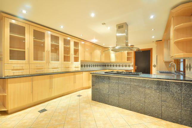 Thumbnail Flat to rent in Saddlers Close, Pinner