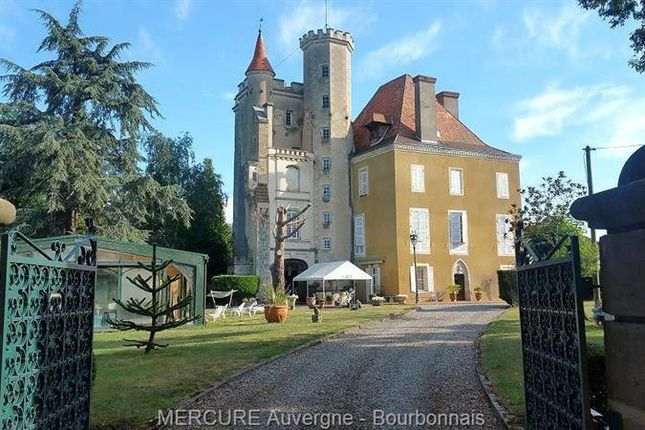 Thumbnail Property for sale in Billom, Auvergne, 63160, France