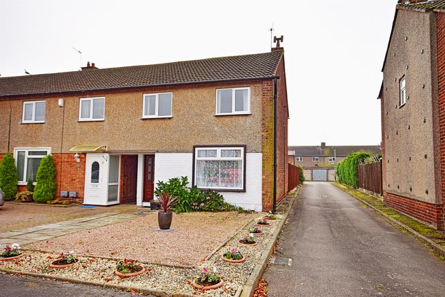 End terrace house for sale in Pattens Road, Warwick