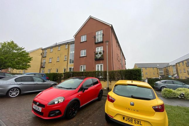 Thumbnail Flat to rent in Tovey Crescent, Plymouth, Devon