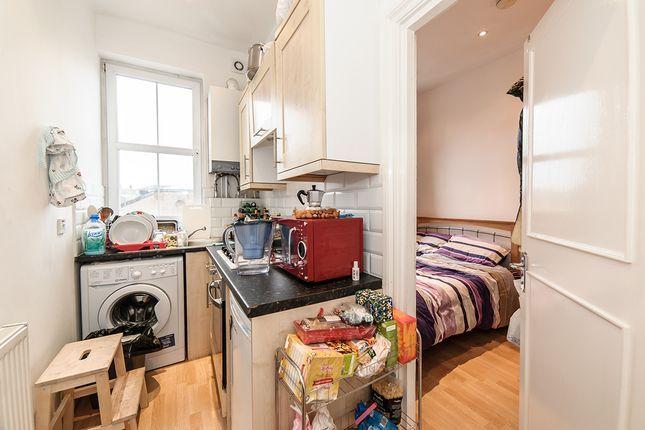 Studio to rent in New Cross Road, New Cross SE14