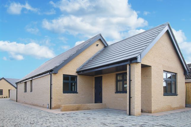 Thumbnail Detached bungalow for sale in Westfield Road, Great Shelford, Cambridge