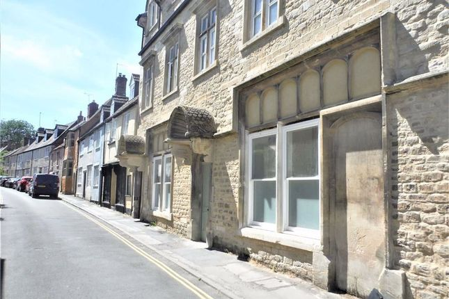 Thumbnail Flat to rent in Church Street, Calne, Wiltshire