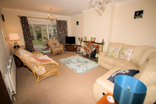 3 Bed Detached Bungalow For In