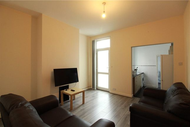 3 bed terraced house to rent in Humber Avenue, Coventry, West Midlands CV1