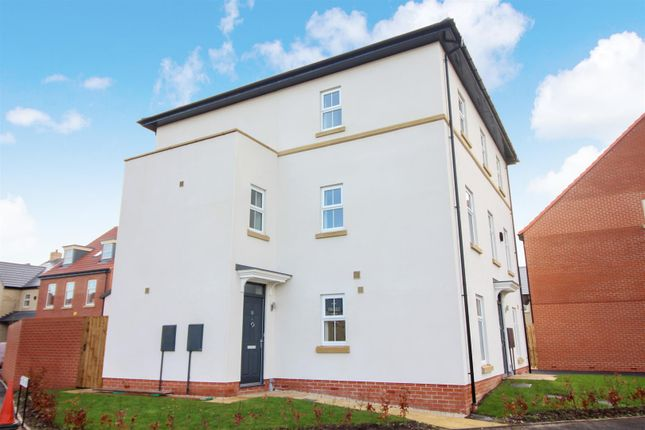 Thumbnail Semi-detached house for sale in Fairfield Link, Sherburn In Elmet, Leeds
