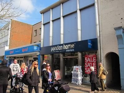 Retail premises to let in 121 High Street, Poole