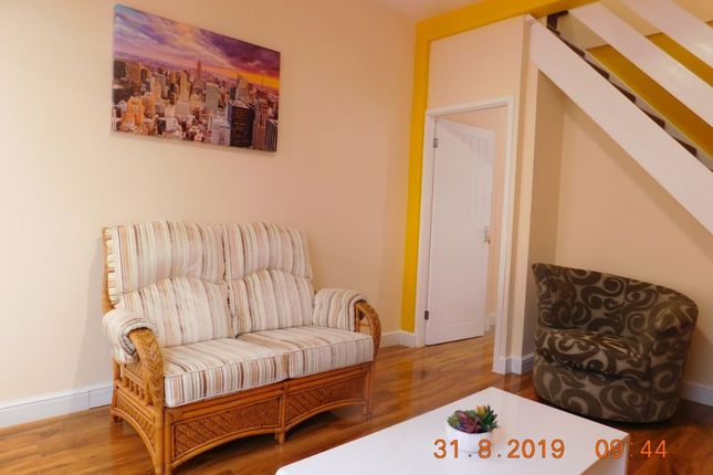 Room to rent in Cauldon Road, Stoke-On-Trent ST4