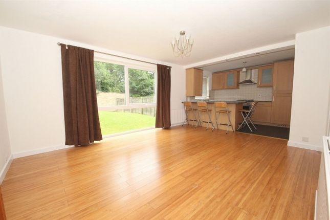 Thumbnail Flat to rent in Gallus Close, London