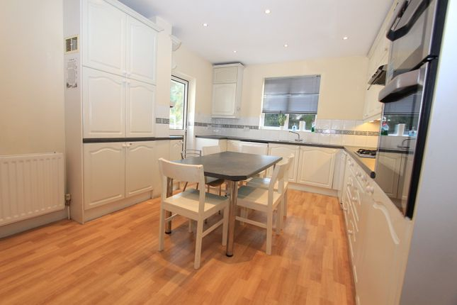 Haslemere Avenue, Hendon, London NW4, 4 bedroom link