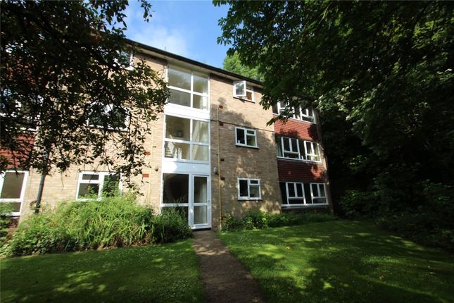 2 bed flat for sale in Gladeside Court, Succombs Hill, Warlingham, Surrey CR6