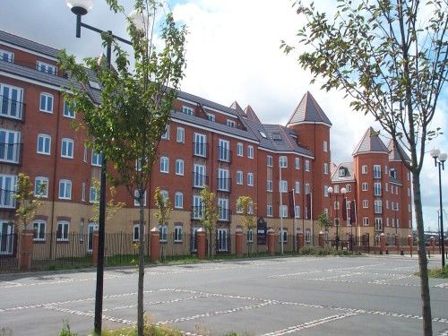 2 bed flat to rent in Quebec Quay, Liverpool