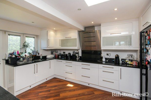 3 bed bungalow to rent in The Glade, Enfield EN2