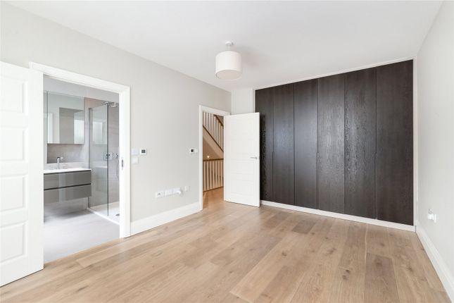Master Bedroom of Bridge Street, Chiswick, London W4