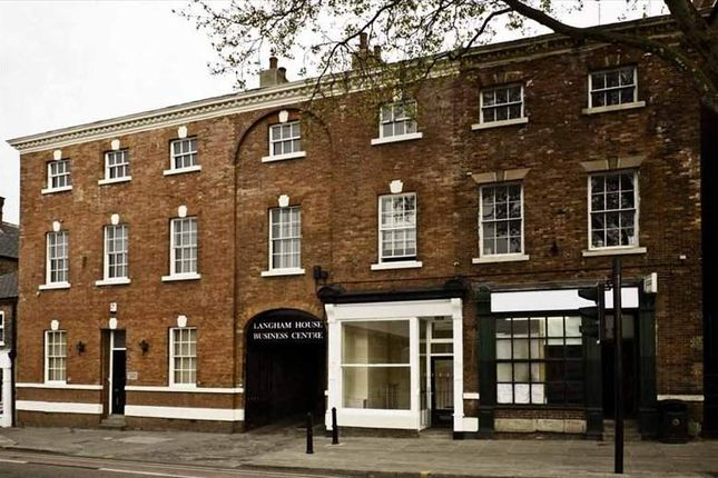 Serviced office to let in Westgate, Wakefield