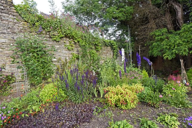Garden of Chipping Sodbury, Bristol, Gloucestershire BS37