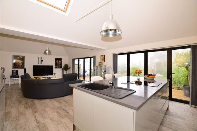 Thumbnail Bungalow for sale in Heath Road, Coxheath, Maidstone, Kent