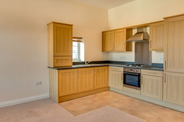 Thumbnail Flat to rent in Cemetery Road, Hemingfield, Barnsley