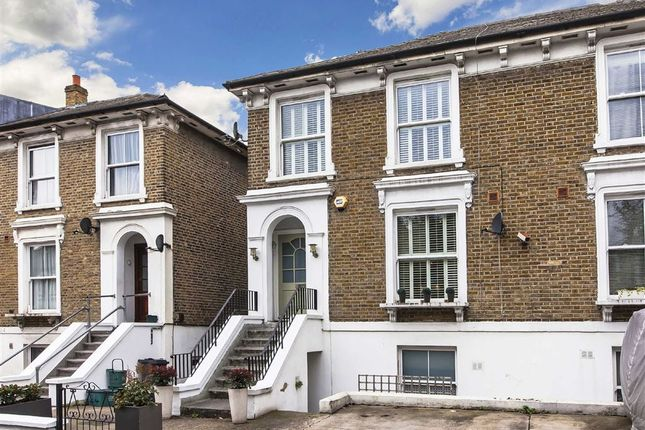 Thumbnail Flat to rent in Cambridge Road North, London