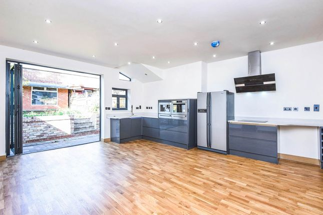 Thumbnail Flat for sale in Colney Hatch Lane, Friern Barnet, London