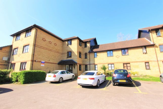 Thumbnail Flat for sale in Hickory Close, London