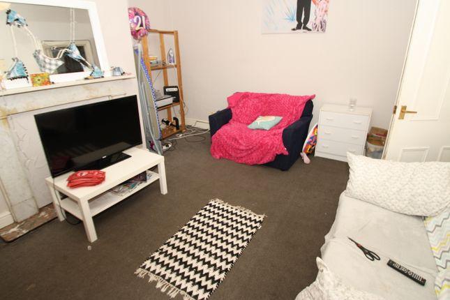 6 bed maisonette to rent in Coniston Avenue, Jesmond, Newcastle Upon Tyne