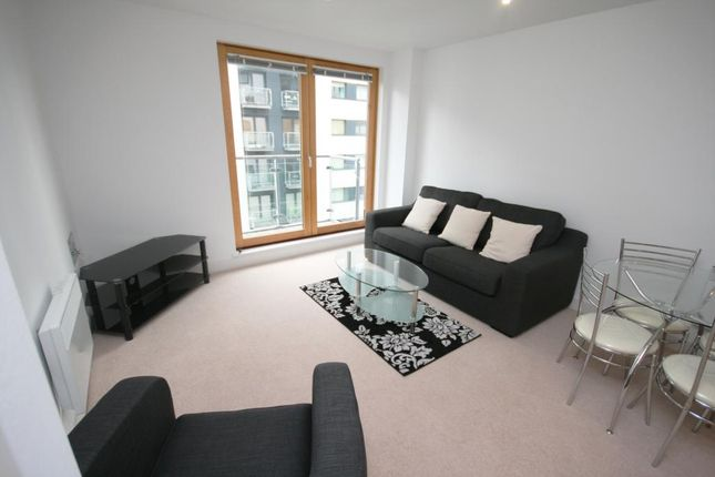 2 bed flat to rent in New Century Park, Manchester M4