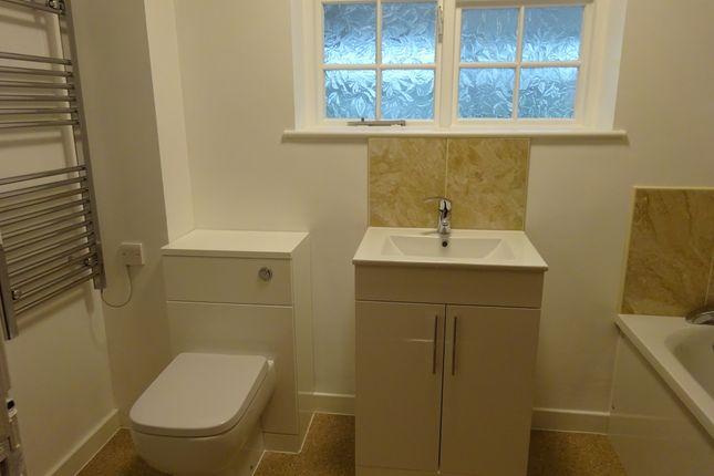 Family Bathroom of Wood Walk, Wombwell S73