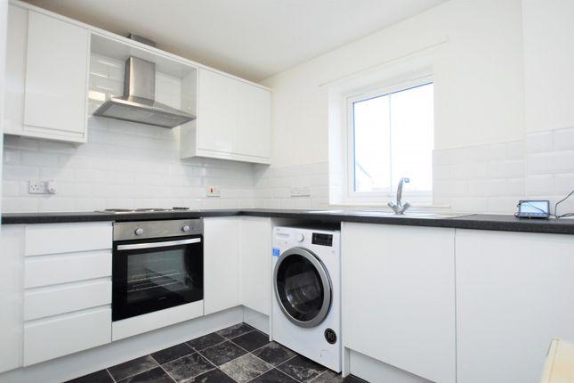 2 bed flat to rent in Jesmond Place, Jesmond, Newcastle Upon Tyne NE2