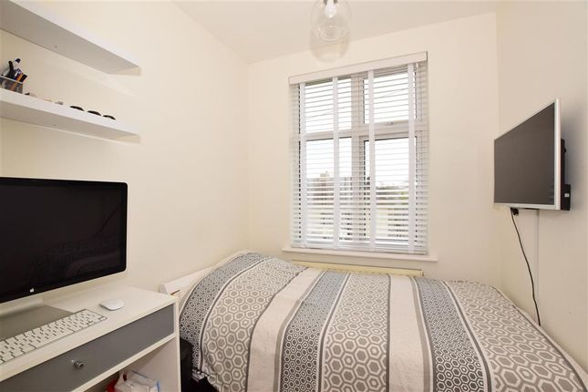 Bedroom 3 of Great Gardens Road, Hornchurch, Essex RM11