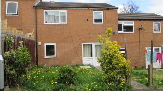 Thumbnail Terraced house to rent in Dulverton Green, Beeston, Leeds