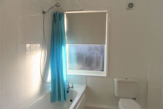 Bathroom of Bevan St West, Lowestoft NR32