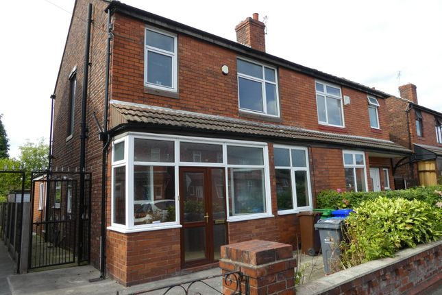 6 bed semi-detached house to rent in Barnsfold Avenue, Fallowfield, Manchester