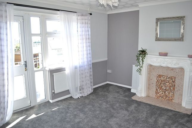 Lounge of Jones Terrace, Mount Pleasant, Swansea SA1