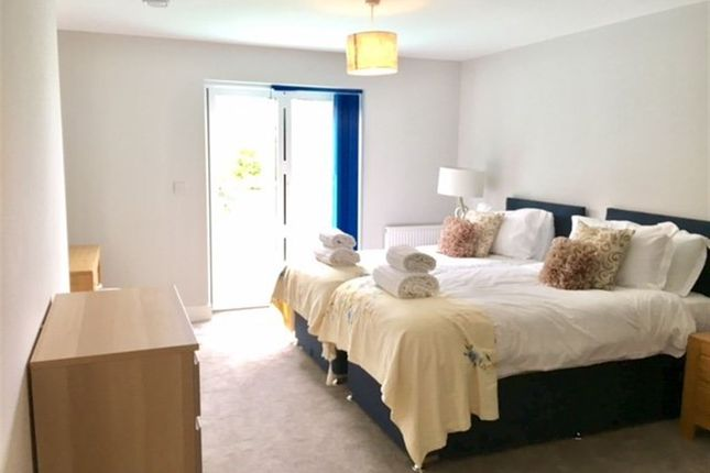 3 bed flat to rent in Parkstone Road, Parkstone, Poole