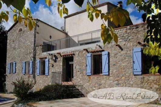 Property for sale in 66400 Céret, France