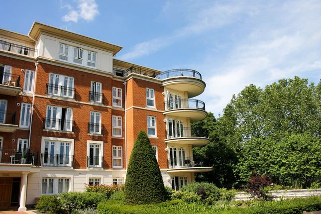 Thumbnail Flat for sale in Ashe House, Clevedon Road, Twickenham