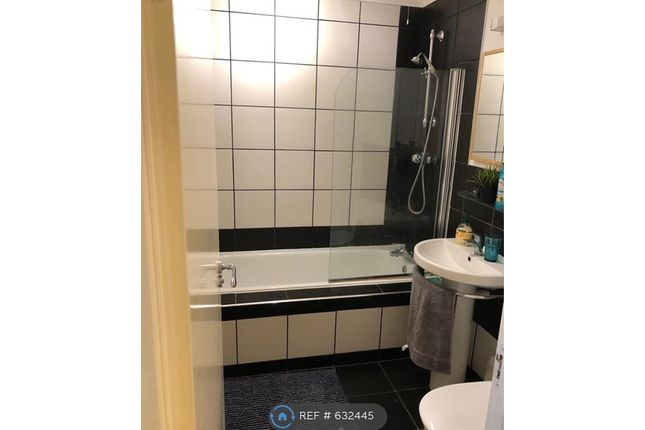 Thumbnail Flat to rent in Redcliffe Street, Bristol