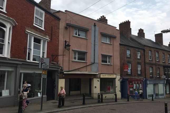 2 bed flat to rent in Kirkgate, Ripon, North Yorkshire