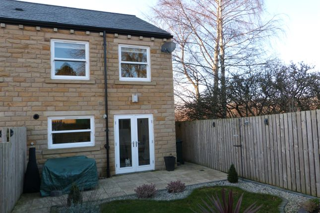 3 bed town house for sale in Micklethwaite Landings, Bingley